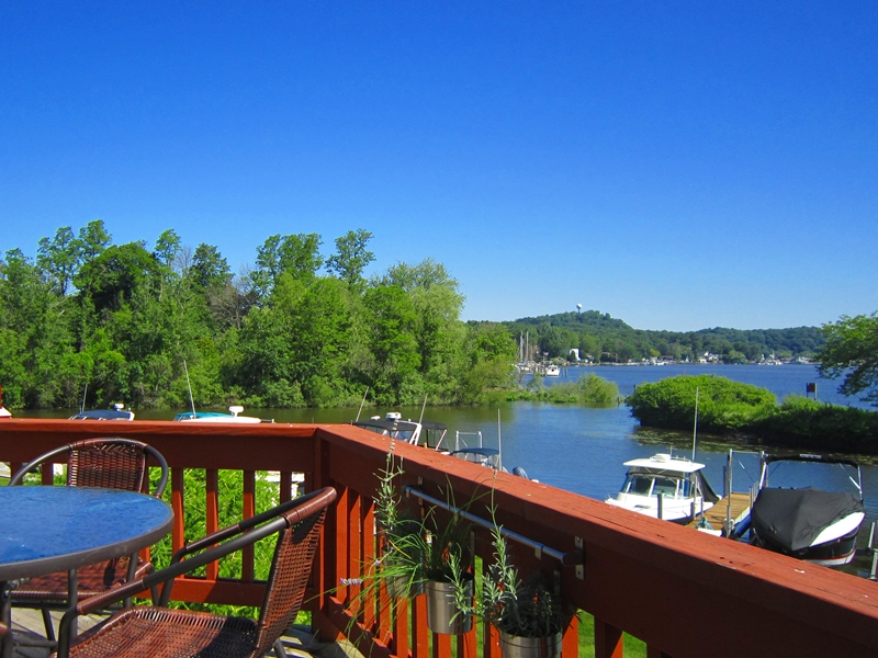 Great deck with outdoor furniture and amazing views