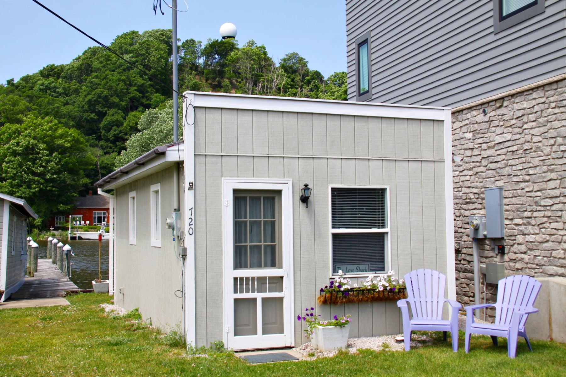 Mill pond realty vacation rentals the love shack for The love shack cabin